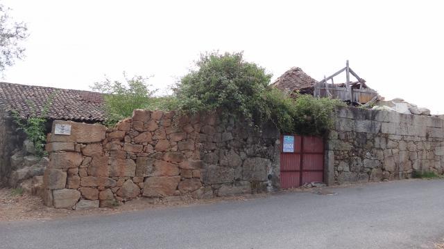 Casa de Pedra para reconstruir